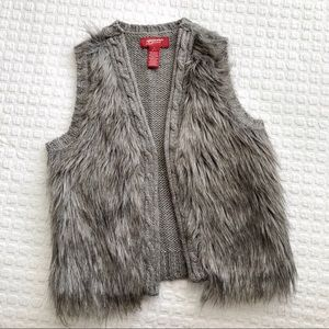 Girls Faux Fur knit vest